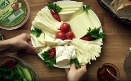 1-Yeni-reklam-Filmimiz-2012-Kaşar-Peynir-